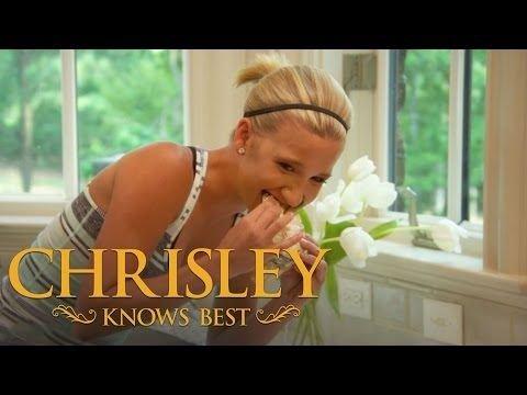 I cried laughing so hard. Chrisley Knows Best | 'Savannah Dares to Eat Stinky Cheese'
