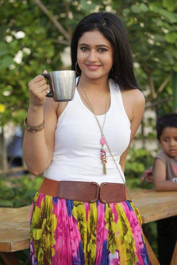 Jayam Ravi, Hansika, Poonam Bajwa Latest Stills From Romeo Juliet Movie | Bollywood Tamil Telugu Celebrities Photos
