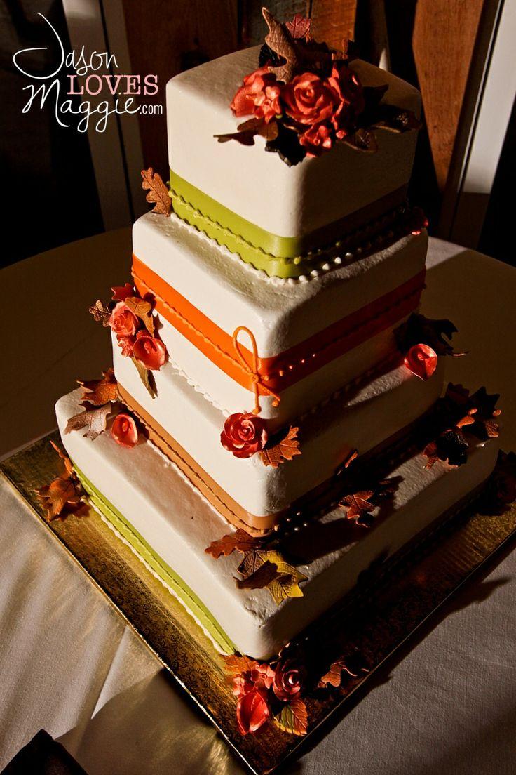 #weddings #weddingcake #fall #wedding #fallweddingcake #rusticwedding #rusticweddingcake