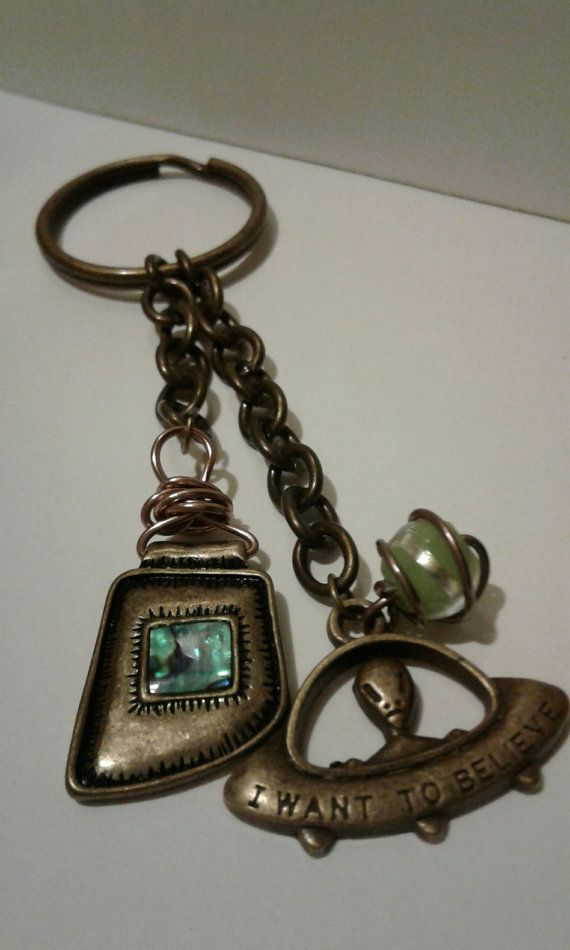 Alien Keychain by RogueUnicornCrafts on Etsy