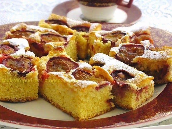 z cukrem pudrem: ciasto piaskowe z owocami