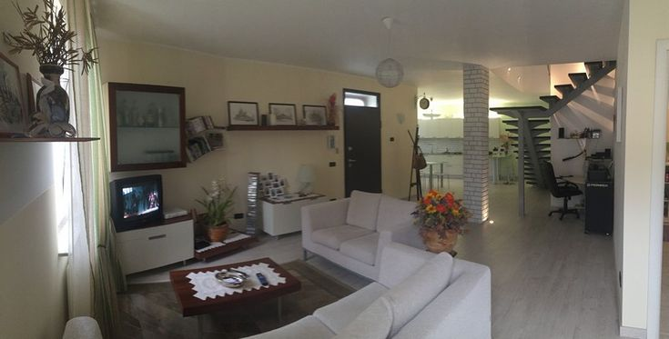 Casa libera su due lati con piccolo giardino nel centro del paese di Frugarolo. Riscaldamento autonomo con basse spese di gestione [Classe Energetica B]