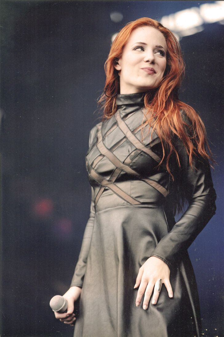 Vocalist Simone Simons of Epica flaunts an amazing dress on stage