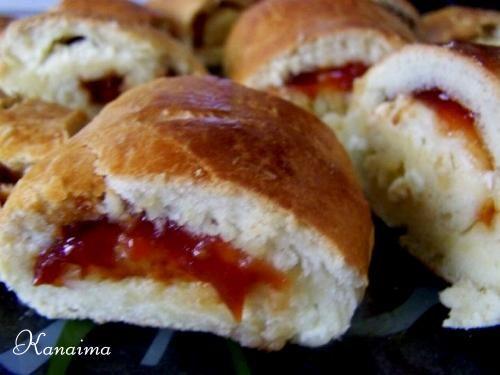 Tenía mucho tiempo que no ponía una receta de mi tierra Venezuela, asi que hoy pondré una de un rico pan de guayaba y queso, éste pan ...