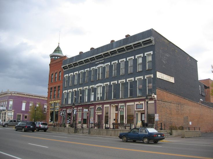 The Breene Block Completed 1887 Once Known As Highlander Hotel And Now Quincy In Downtown Leadville Cloud City Pinterest