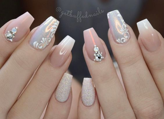 """3,146 Likes, 106 Comments - ⭐️ Sarah ⭐️ (@getbuffednails) on Instagram: """" Fresh angle on @paulaxmakeup paulaXset #getbuffednails #handpainted #longnails #pointynails…"""""""