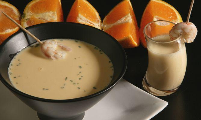 Receta de Sopa fría de naranja con gambas