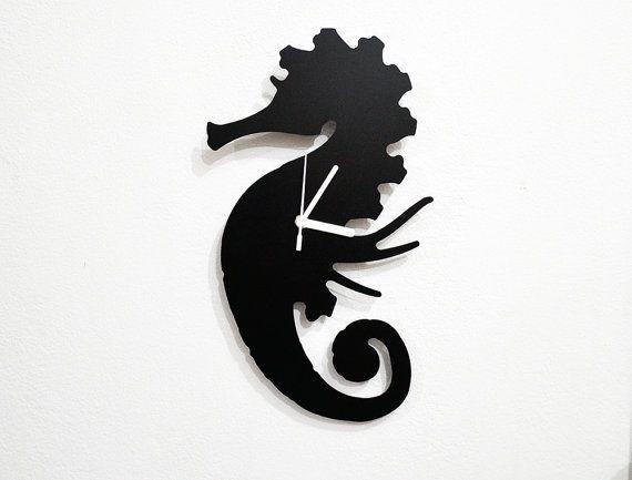 Seahorse Silhouette Wall Clock por SolPixieDust en Etsy