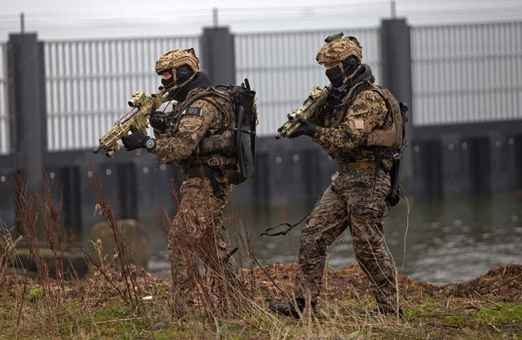 """German Special Forces: Commando Frogmen or """"Kampfschwimmers"""" (1000x653)"""