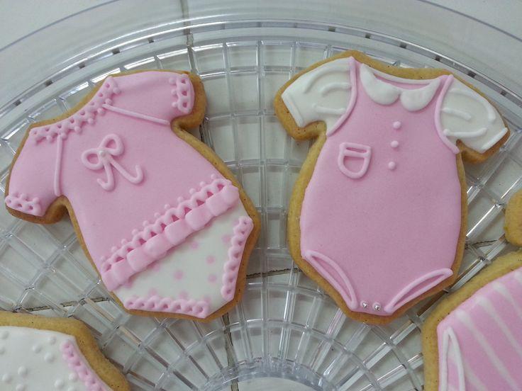 Baby shower onesie cookie