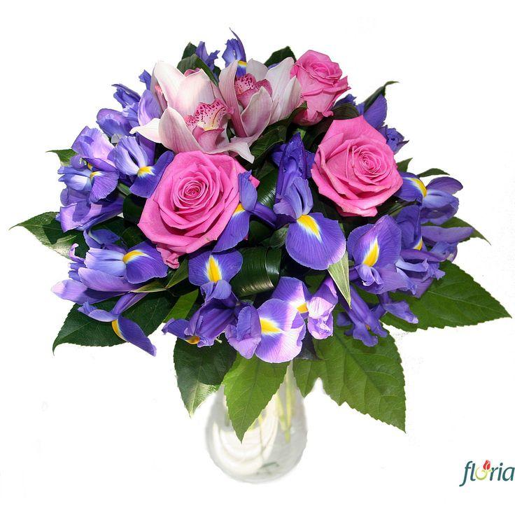 Vrei sa ii urezi La multi ani sau sa ii aduci zambetul pe buze intr-o zi obisnuita? Alege buchetul Pentru tine care contine 3 trandafiri roz, 19 irisi mov si 3 cupe de orhidee cymbidium roz.