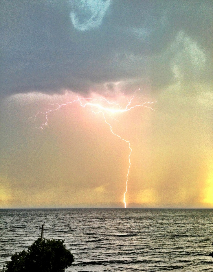 #Lightning hitting the ocean in #Gibsons BC #Storm