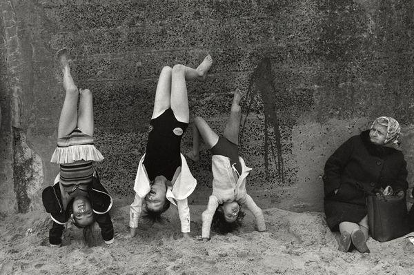 Writing in the Sand Sirkka-Liisa Konttinen (Photographer) Cullercoats, '78.