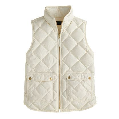 Cream is a hard color to wear but this vest pulls it off. I love the gold zipper and buttons, they really pop. It would look great with boots in the fall. Amazing! Love! Love! Love!