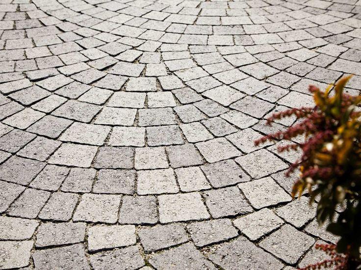 Каменная или бетонная плита для наружных дорожек GIULIA by Ediltubi