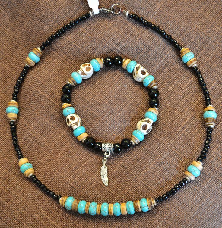 Girocollo e Bracciale Nativi Americani con Turchesi, Terracotta, Perle Nere e Teschietti in Pietra color Avorio