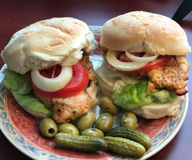 Chicken Sandwich = Grilled Chicken, lettuce, tomato, olives, pickles, mayonnaise, onions ❤️ If you want a REAL sandwich, MAKE IT YOURSELF !!!!! ☀️ #sandwich #foodporn #chicken #onions #lettuce #tomato #mayo #homemadefood #nofilter #pickles #olives #tastetoronto #motivation