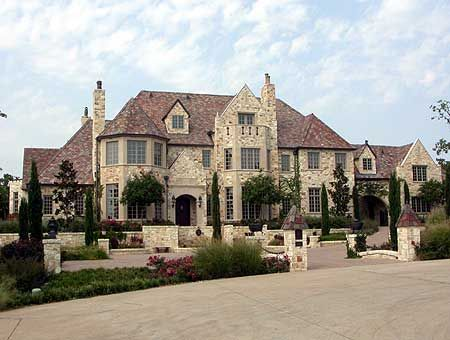 14,814 square feet, 6 bedrooms, 9+ full and half bathrooms, 3 levels. Big and tall, exactly how I want.