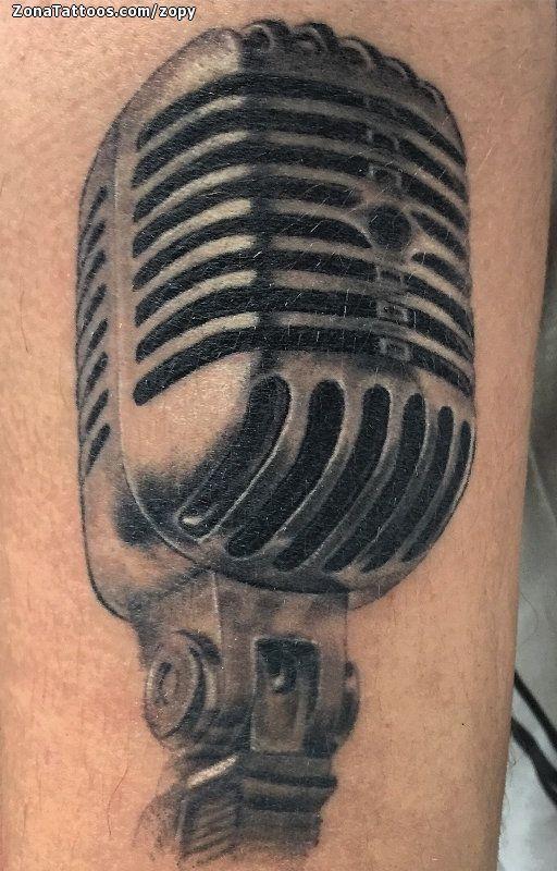 Tatuaje hecho por Rodri Feria, de Huelva (España). Si quieres ponerte en contacto con él para un tatuaje o ver más trabajos suyos visita su perfil: http://www.zonatattoos.com/zopy    Si quieres ver más tatuajes de micrófonos visita este otro enlace: http://www.zonatattoos.com/tatuaje.php?tatuaje=106968