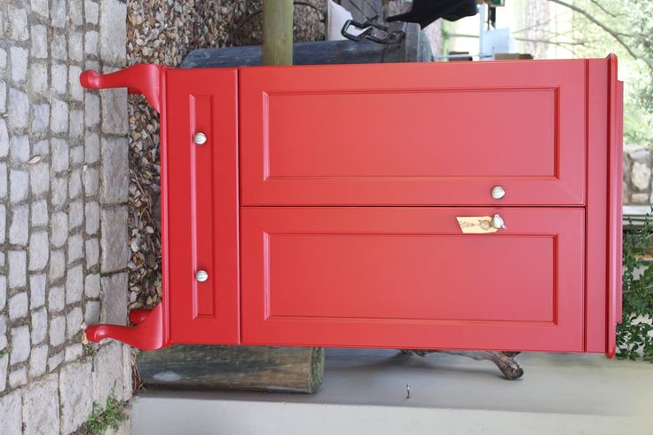 Country cabinet in Red