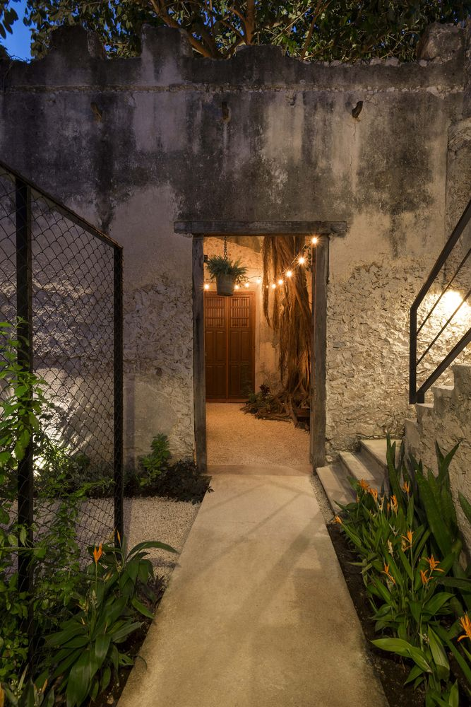 Gallery of Colonial House Recovery on 64th Street / Nauzet Rodríguez - 14