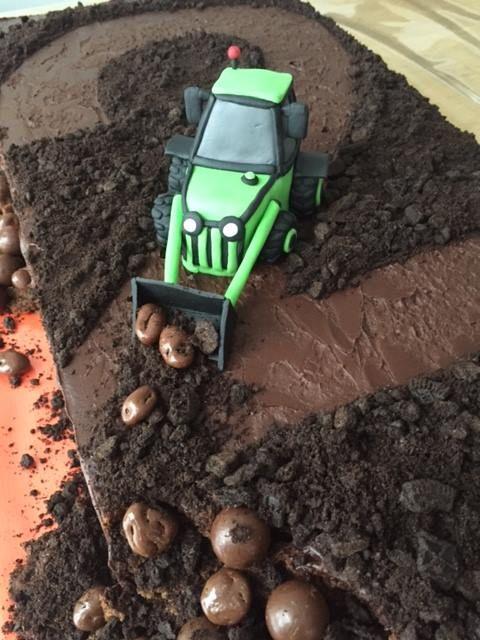 Mjam taart magazine #tractor #cake