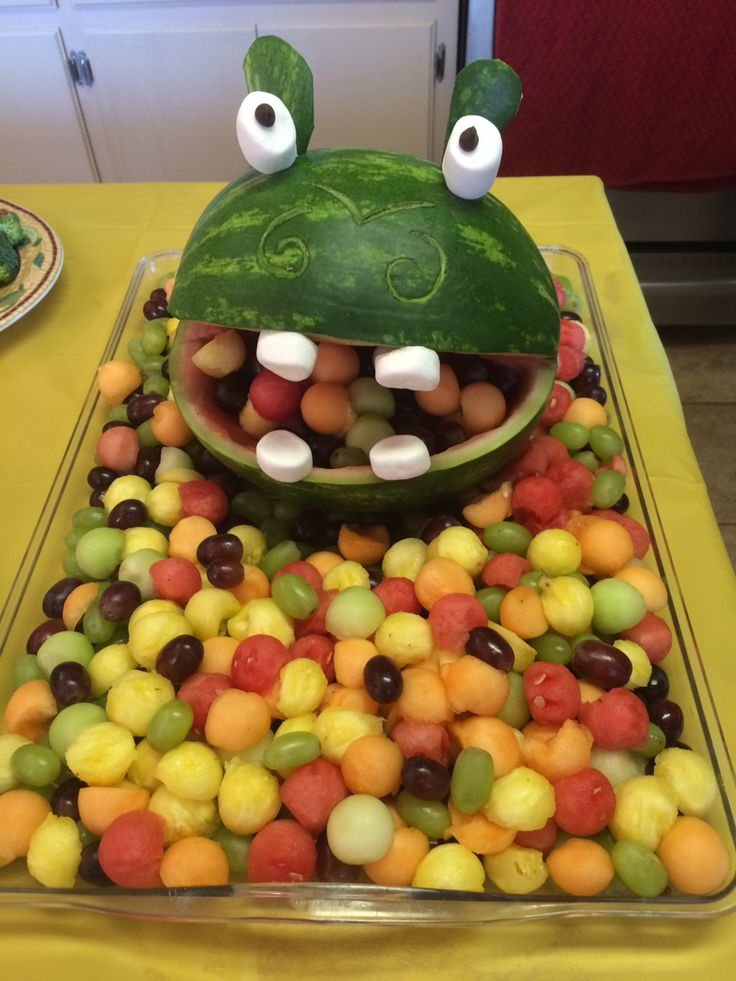 12 best jungle themed birthday images on pinterest for Baby shower fruit decoration ideas