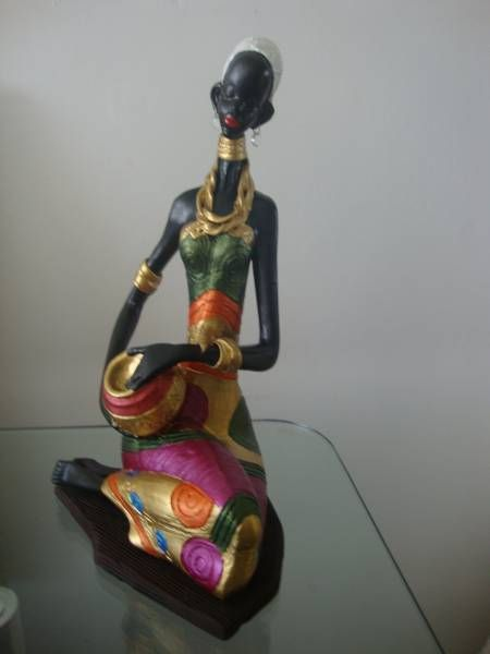 colorida figura africana