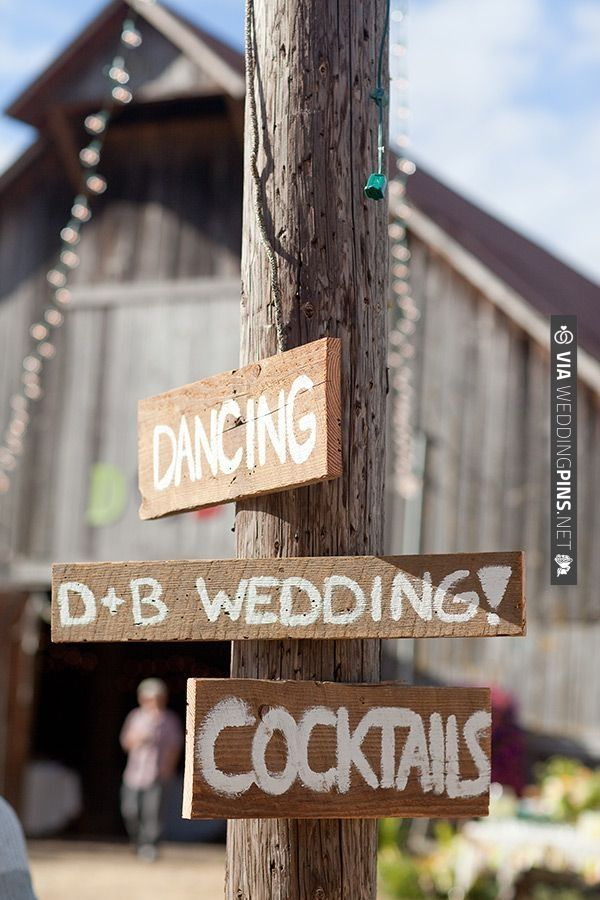 rustic wedding signs | VIA #WEDDINGPINS.NET