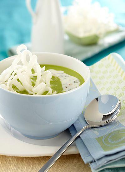 Receta: Crema de arveja con yogur, pistachos y hierbabuena