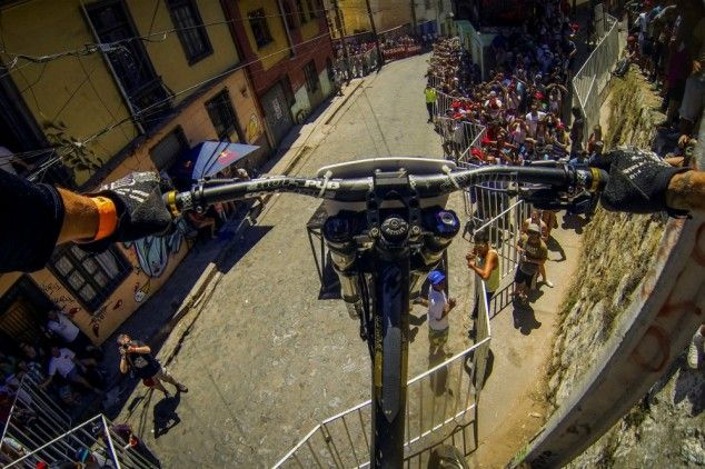 First-person view of a winning run in a crazy urban downhill bike race.    Marcelo Gutierrez recently won Red Bull's urban downhill bike race in Valparaiso, Chile with this run…  (6 pics & a video)