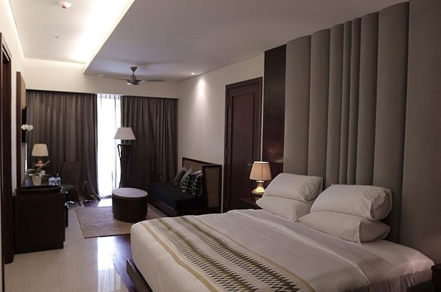 Traditional, Tropical | Bedroom | Grand Inna Putri Hotel | Bali | URBANE