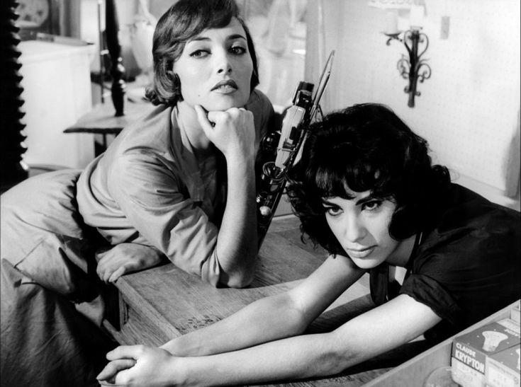 Stéphane Audran et Bernadette Lafont dans Les bonnes femmes de Claude Chabrol, 1960