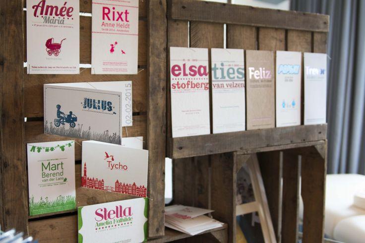 Geboortekaartjes in letterpress!  Skyline,utrecht, rotterdam.  oud Hollandse bakfiets, zusje erbij, vintage, typografie, foliedruk