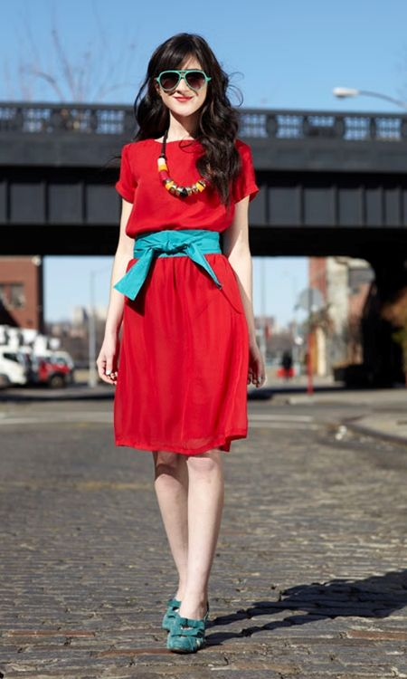 pretty!!!!Colors Combos, Little Red, Red Dresses, Shabby Apples, Colors Mixed, Colors Combinations, Headlines Dresses, Cute Outfit, Bright Colours