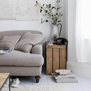 -: Idea, Living Rooms, Interiors Design, Bedside Tables, End Tables, Vintage Interiors, Old Crates, Wooden Crates, Wood Crates