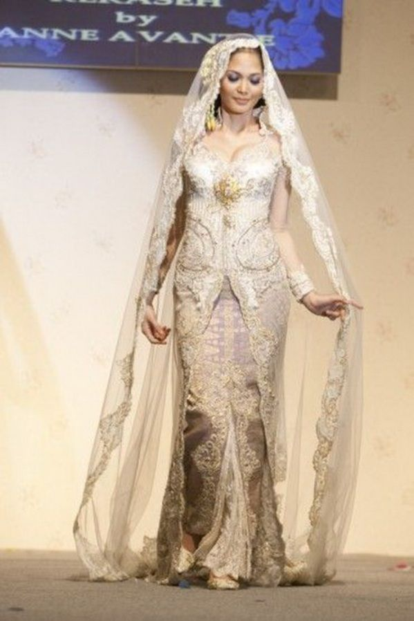 """Kebaya Anne Avantie. - Forget all the other dresses, I'm honoring my Tendean side with this wedding kebaya. Plus she's busty just like me."""