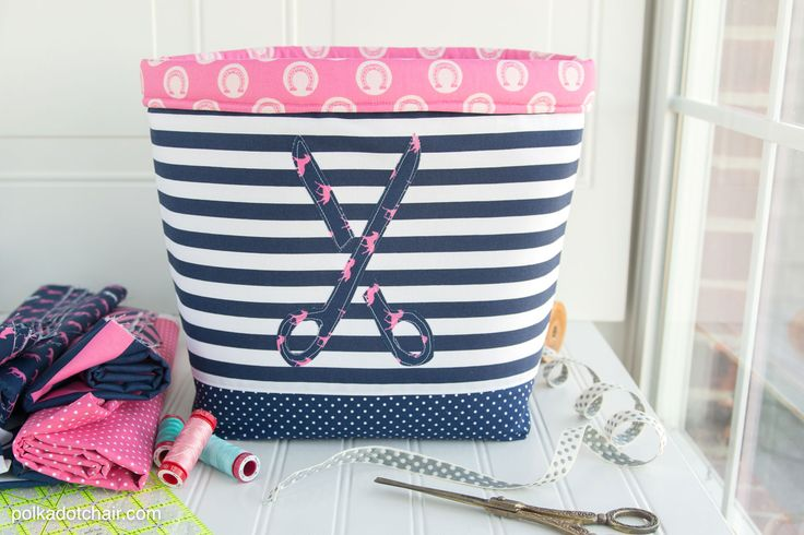 DIY Bucket Bag Tutorial   This adorable bucket bag is the perfect way to store and organize all of your fabrics, yarn, and crafting supplies!