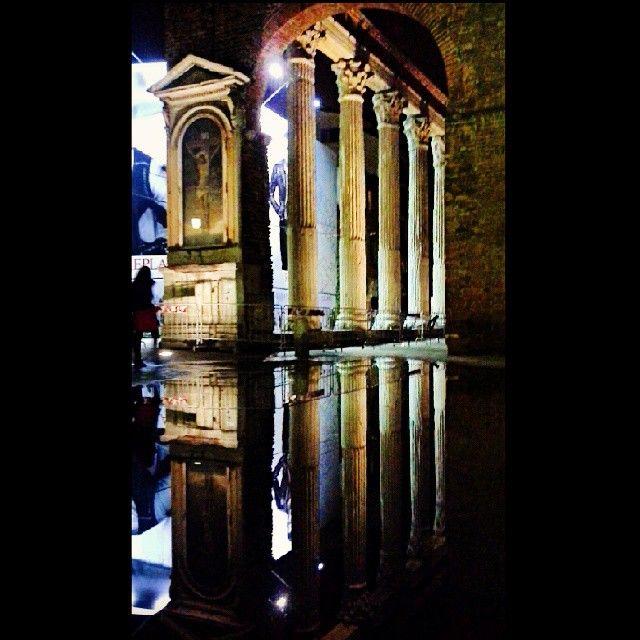 "@giudi_giu's photo: ""#mirroreffect #fall #Milano"""