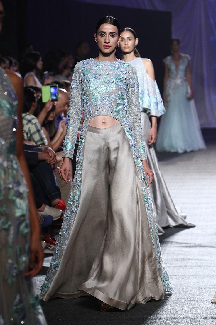 Manish Malhotra at Lakmé Fashion Week summer/resort 2016