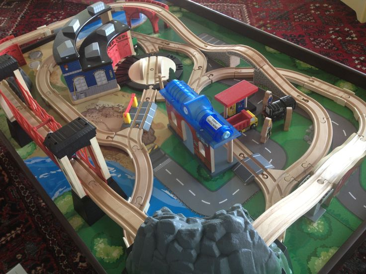 10 Best Images About Thomas Train Track Layouts On