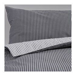 Brug for lidt nyt & lækkert? IKEA - RÖDNARV, Dynebetræk og 1 pudebetræk, 140x200/60x70 cm, , Satinvævet sengetøj af bomuld er meget blødt og behageligt at sove i, har en flot glans og ser smukt ud på din seng.Lynlåsen holder dynen på plads.Du kan nemt skifte stil i soveværelset, for sengetæppet har forskellige mønstre på de 2 sider.