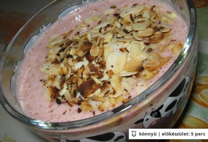 Hideg joghurtos gyümölcsleves