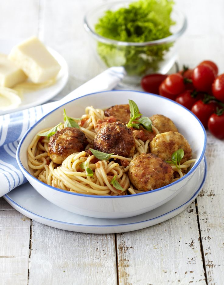 Herbed Chicken #Meatballs on Spaghetti ❤ #Knorr #Pasta