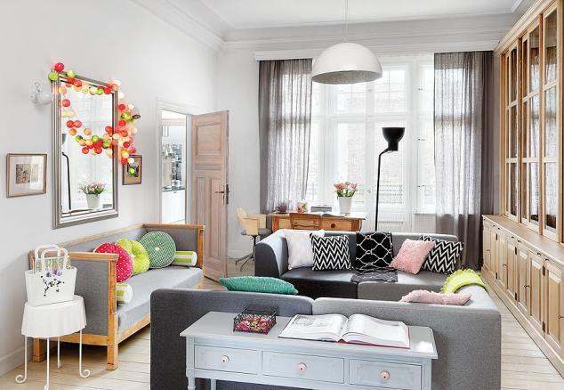 Właścicielka uwielbia wzornictwo skandynawskie, szczególnie duńskie. http://www.weranda.pl/archiwum/501-2015-07/15916-kolorowe-mieszkanie-po-dunsku?cid=1 #weranda #stylskandynawski #styldunski #kolorwewnetrzu