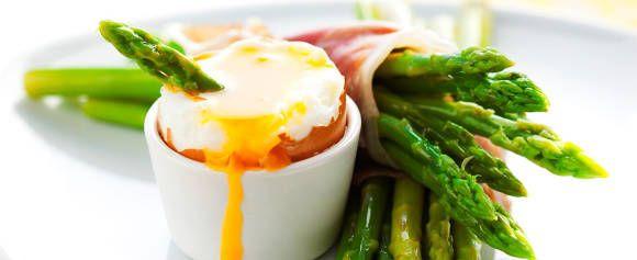 La deg friste til å prøve en ny oppskrift med asparges - Aperitif.no