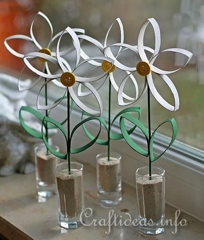 Paper Craft for Spring - Daisies Made From Empty Paper Towel Rolls/Tubes #spring #flowercraft #daisy