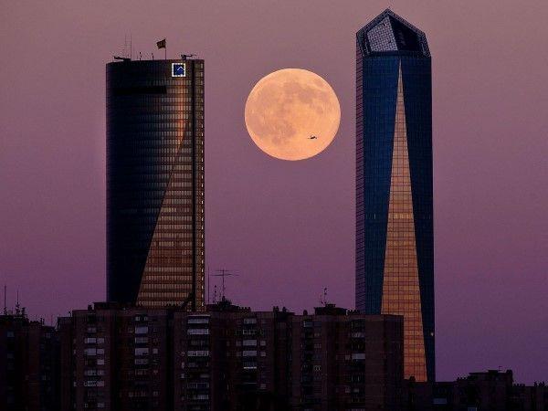 La superluna por el mundo (© Gonzalo Arroyo Moreno/Getty Images)