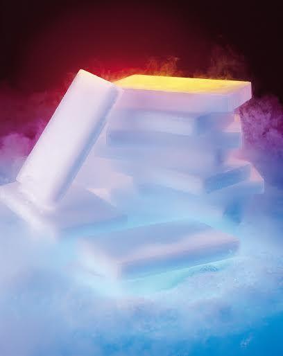 #plastrysuchegolodu #suchylód Plastry suchego lodu swoje zastosowanie znajdują główne wśród firm cateringowych oraz dostawców żywności. Pakowane są w folię perforowaną, co ułatwia ich układanie i pakowanie. Wymiary plastra suchego lodu: ok. 210 x 125 x 25 mm, waga ok 1kg => http://suchylod.net/plastry-1szt-1kg-p-12.html