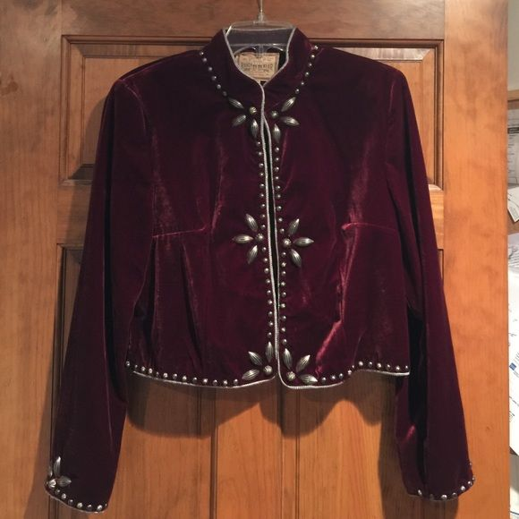 Double D Ranchwear velvet studded jacket Excellent condition, 82% rayon 18% silk, top frog closure, impeccable jacket! Smoke free home, priced to sell Double D Ranchwear Jackets & Coats